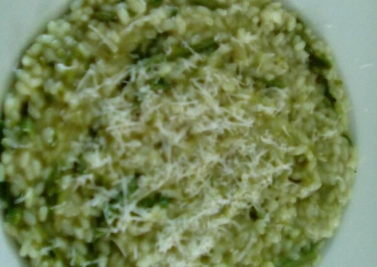 Risotto con i sapori siciliani a km0 asparagi selvatici e DOP RG