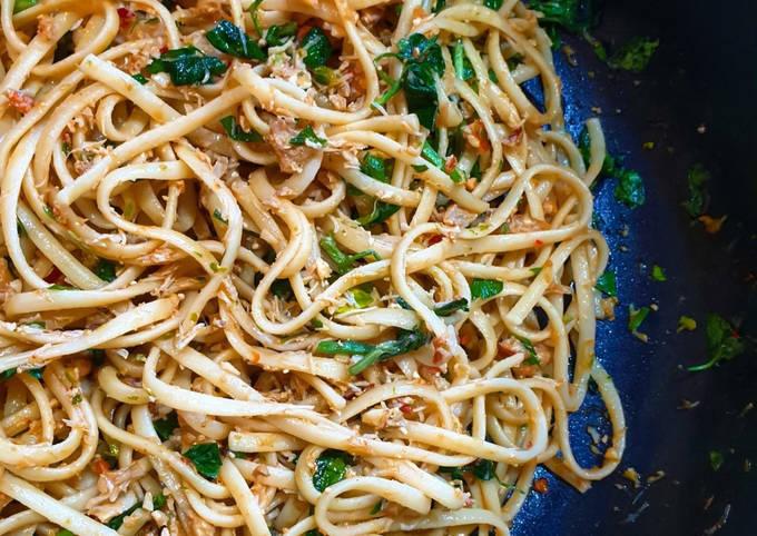 Fresh Crab Meat & Chilli Garlic Pasta