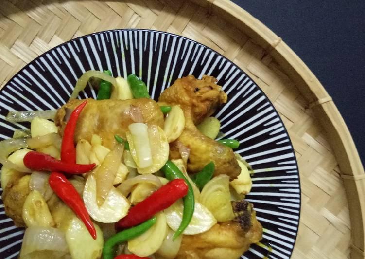 Ayam Goreng Bawang Bertaburan - velavinkabakery.com