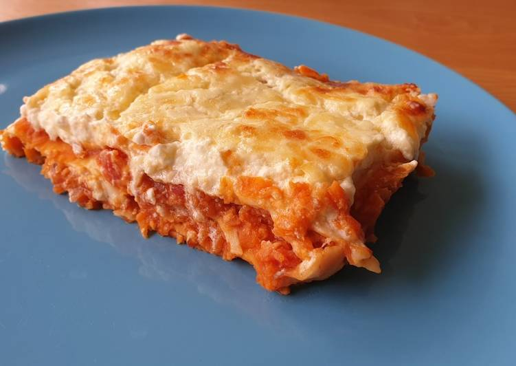 Recipe: Yummy Vegetarian lasagne with lentils