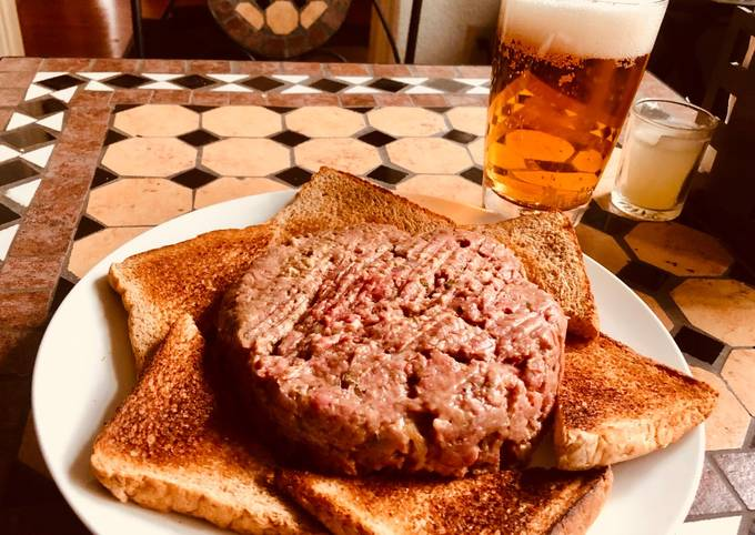 Opa Erich's Hackepeter (German Steak Tartare)
