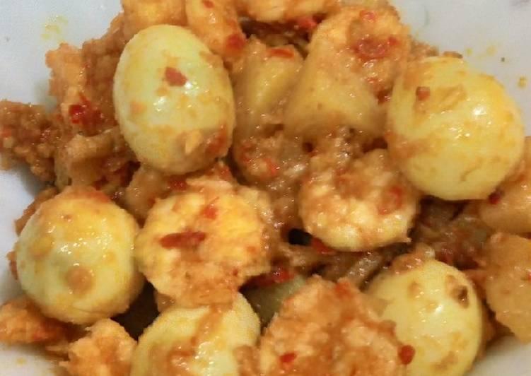 Sambal goreng balado udang telur puyuh kentang
