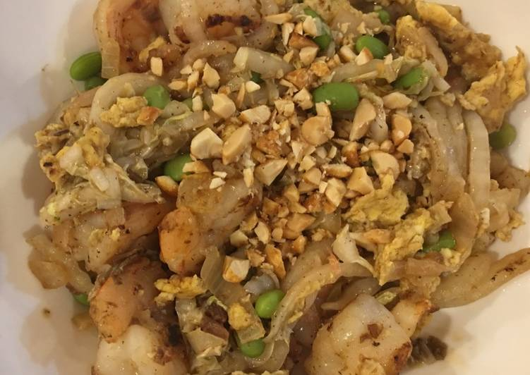 Easiest Way to Make Any-night-of-the-week Thai Peanut Shrimp with Edamame