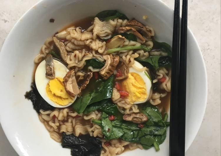Two minute noodles with a ramen twist