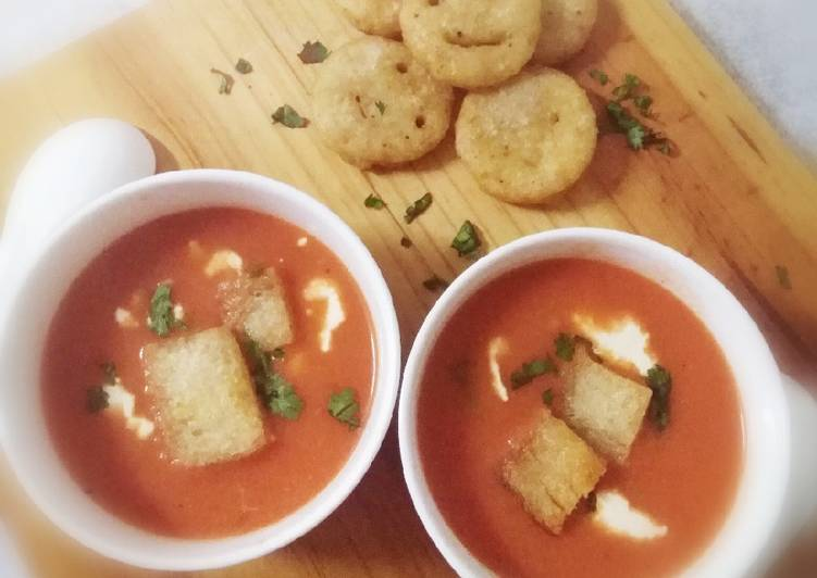 Tomato Soup with Potatoes smileys