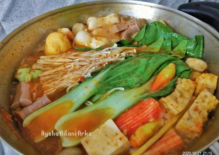 Steamboat Tomyam Seafood