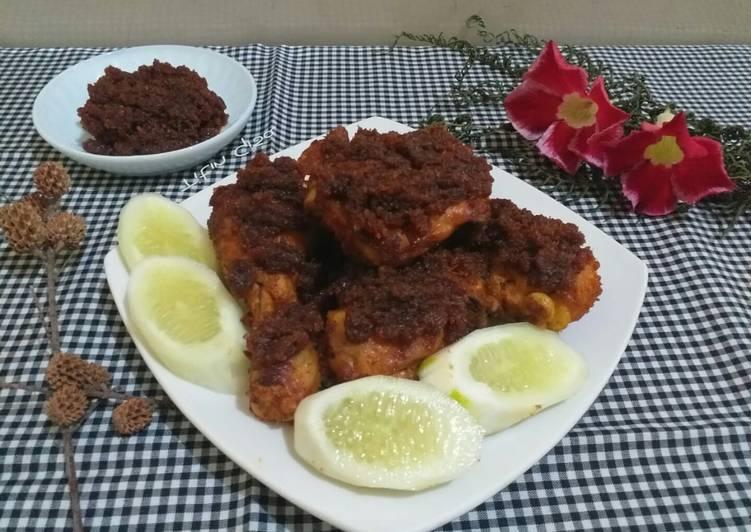 Ayam Bumbu Hitam khas Madura aka Ajem Kretep