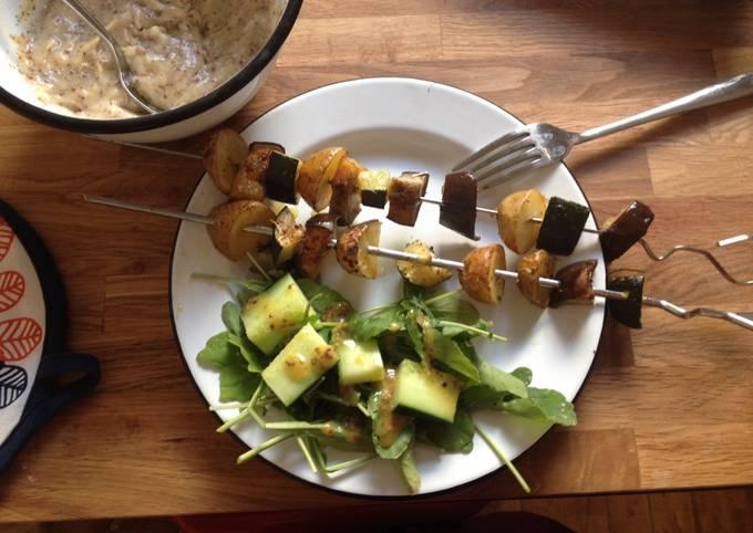 Veganaise et brochettes de légumes