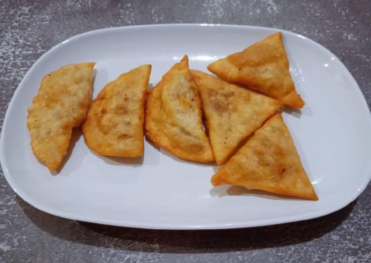 cireng isi bakso dan sosis foto resep utama Resep Indonesia CaraBiasa.com