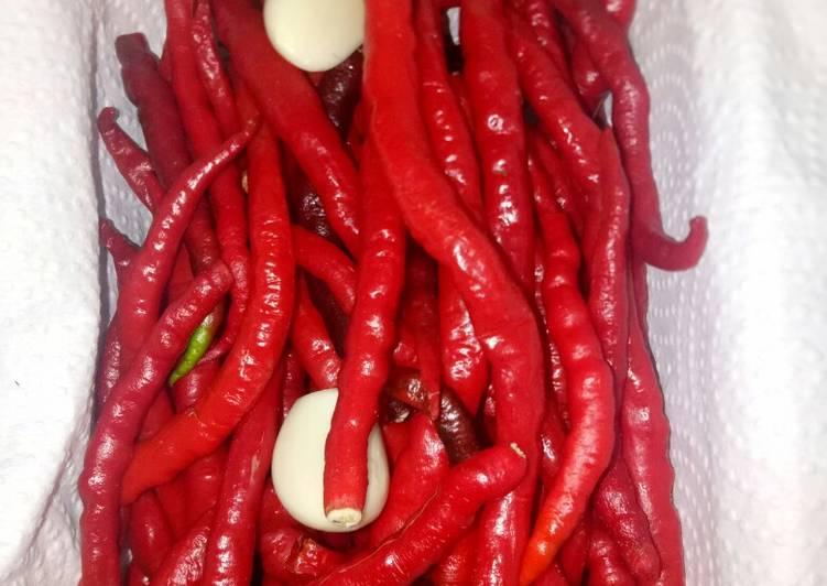 Tips Menyimpan Cabai Merah Keriting (di dalam kulkas)