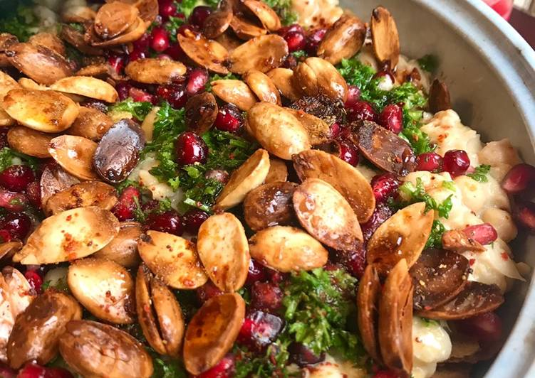 How to Make Most Popular Fatteh Hummus فتة حمص