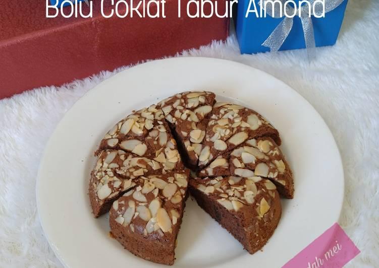 Bolu Coklat Tabur Almond - cookandrecipe.com
