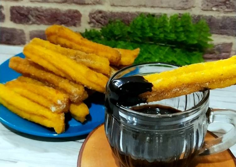Churros Wortel Saus Cokelat