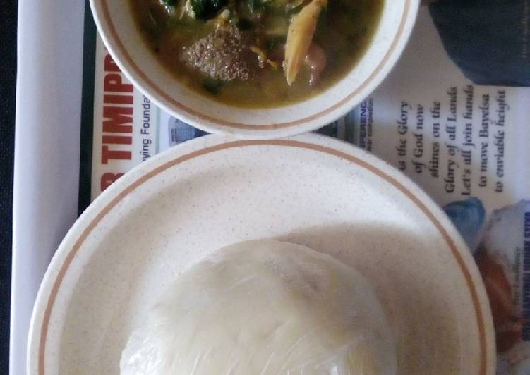 White soup and pounded yam