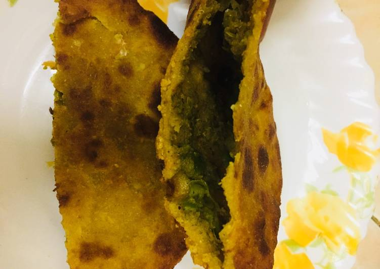 Recipe of Homemade Rajgira flour matar kachori