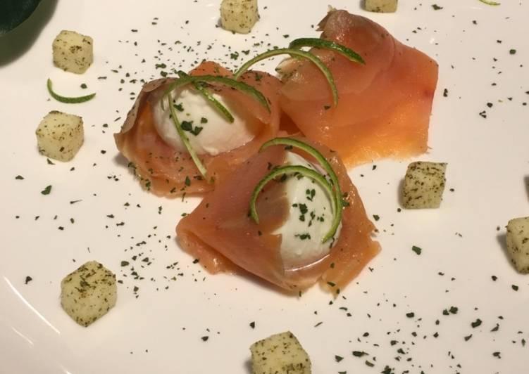 Pica pica de salmón con mozzarella