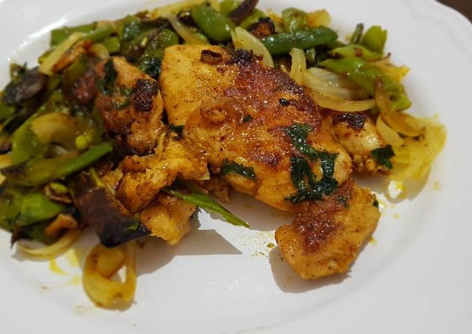 Roasted chicken breast with green beans صدور دجاج مع الفاصولية
