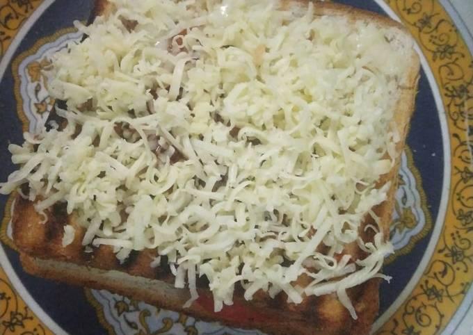 Cheesy double decker veg grilled sandwich