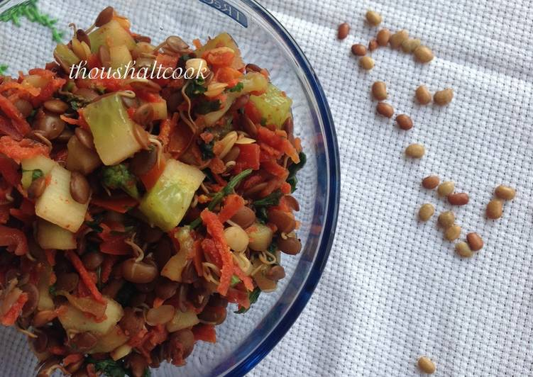 Horse Gram/Kulith Sprout Salad