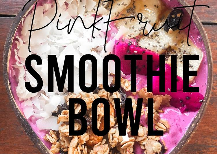 Fitness Recipes : Pink Smoothie Bowl