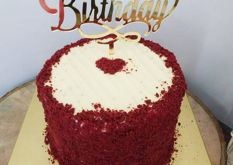 red-velvet-cake-with-creamcheese-frosting