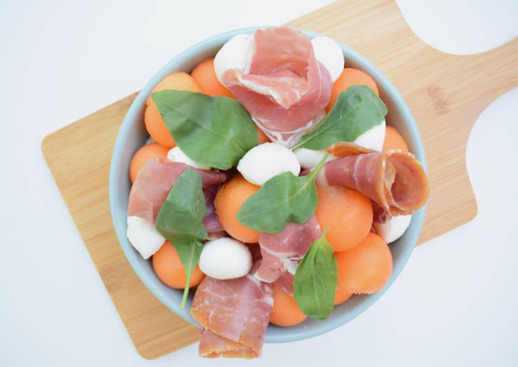 Salade de melon, mozzarella et jambon sec