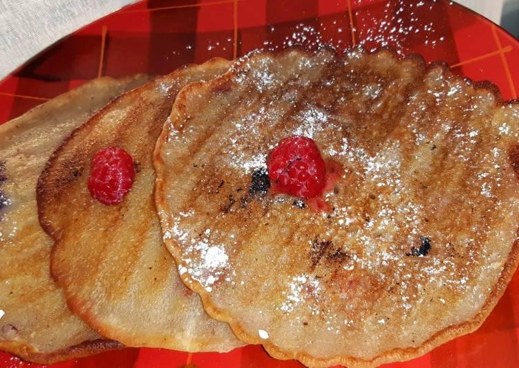 Lemon & berry pancakes