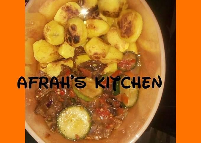 Roasted potatoes an cucumber sauce