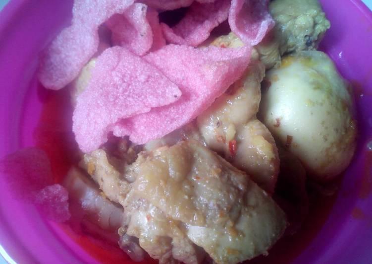 Ketupat lebaran pls opor ayam 👌👍muantap
