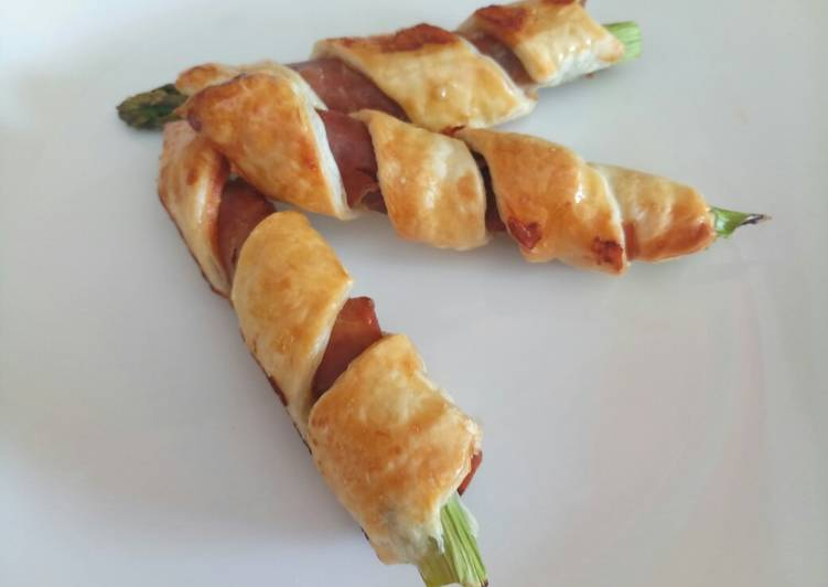 Asparagus and prosciutto twists