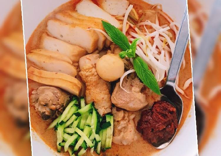 Easiest Way to Prepare Appetizing Malaysian Nyonya Curry Laksa At Home