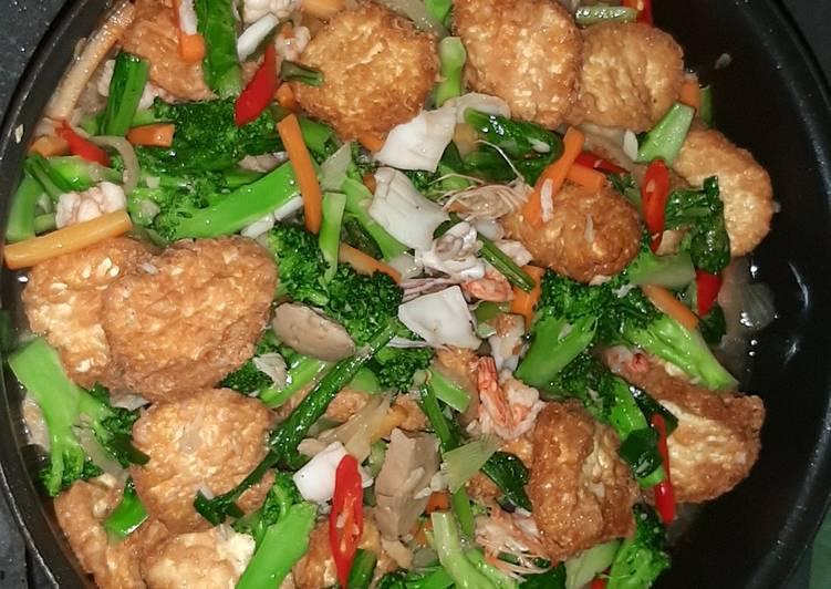 Sapo egg tofu brokoli seafood
