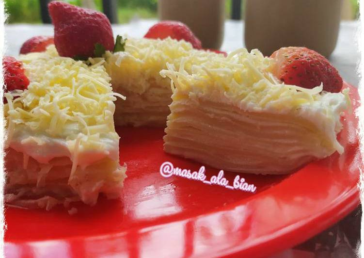Cheese Strawberry Crepes Cake