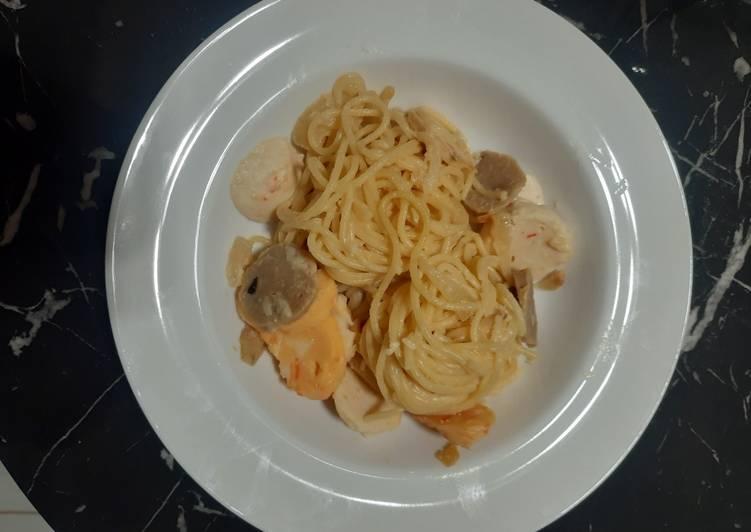 Spaghetti carbonara bakso