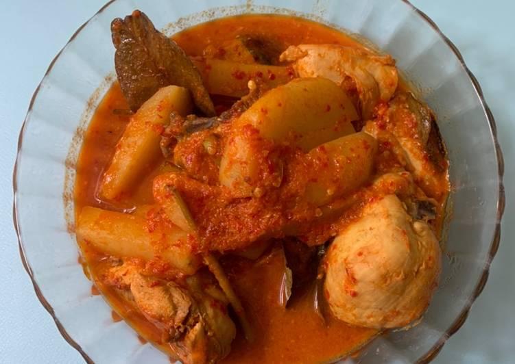Langkah Mudah Memasak Gulai Ayam Kentang, Enak Banget