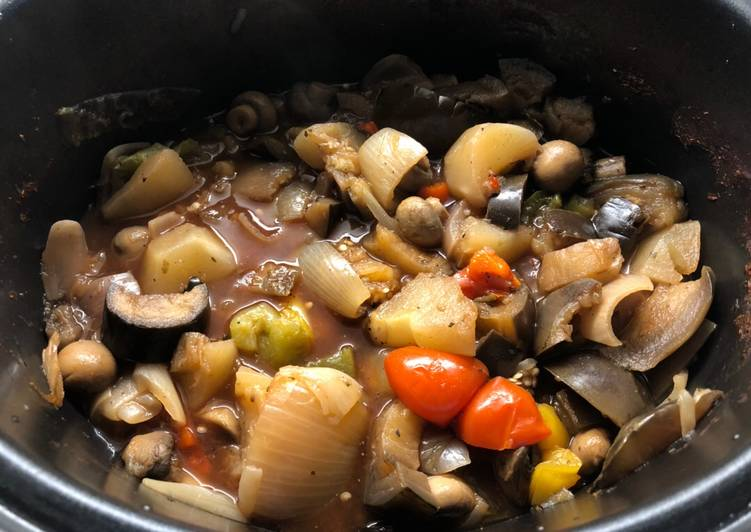 Slow cooker ratatouille