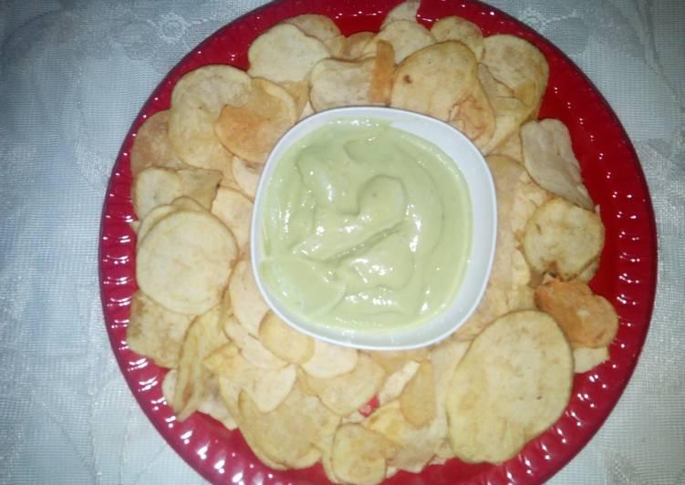 Crisps & Guacamole Dip