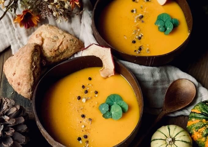 Kürbis-Kokossuppe (vegan)