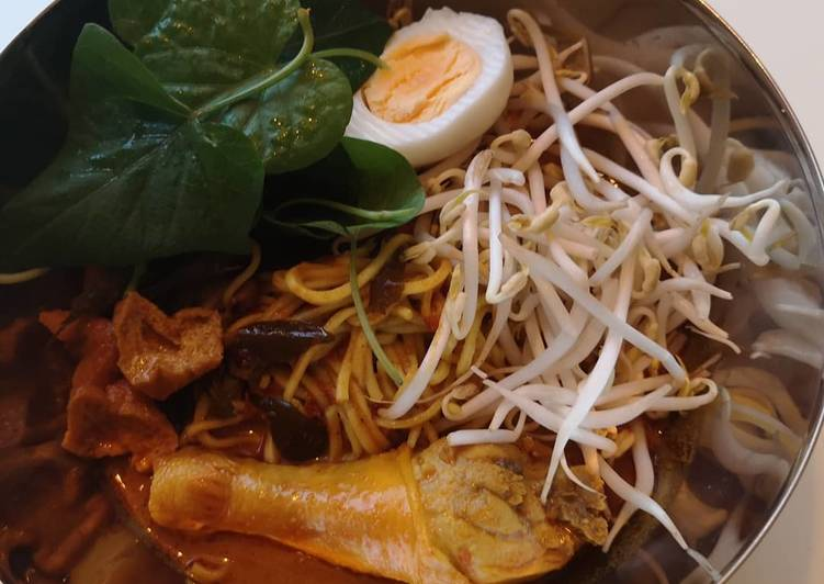 Malaysia curry noodles (Laksa)