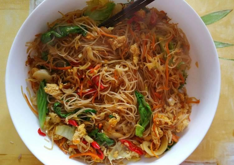 Vermicelles de riz sautées aux legumes facile