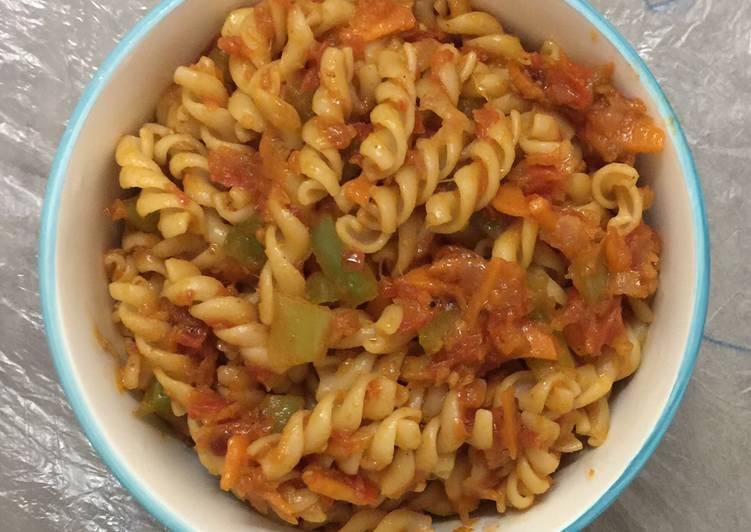 Spicy tangy fusilli pasta