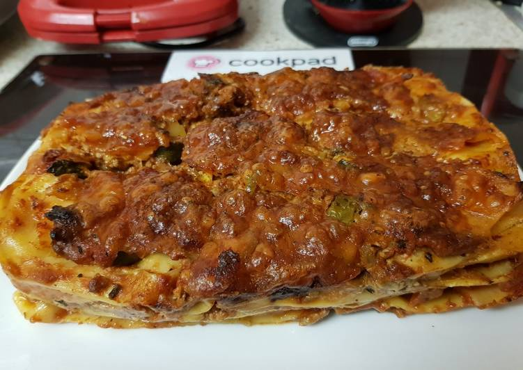 Recipe of Homemade My Crisp Lasagne with soft Mozzarella Cheese on top. 😀