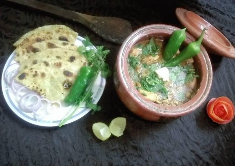 Steps to Make Award-winning Chicken Makhni Handi