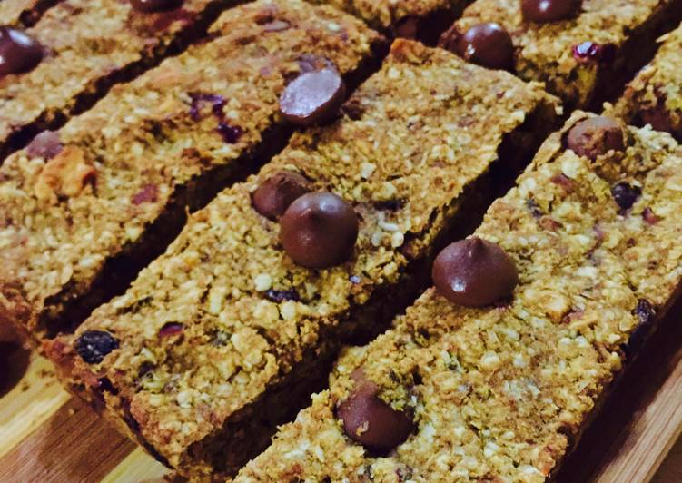 Tropical Granola Bars with Dates