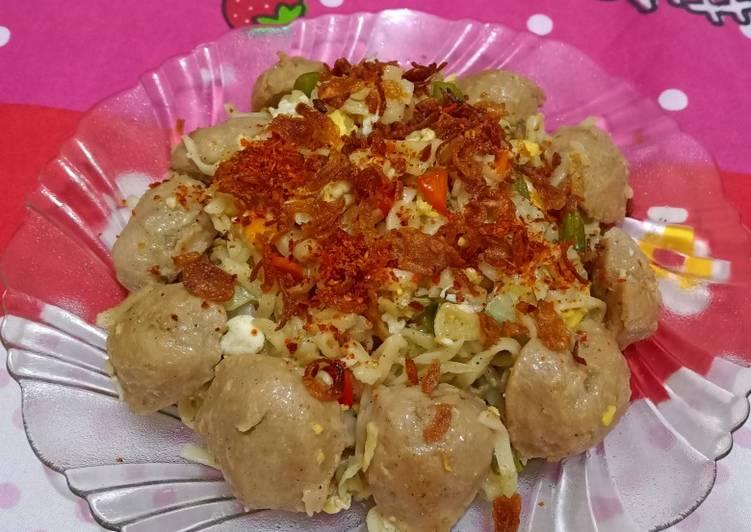 Bakmie Goreng Saus Tiram (Sayuran, Bakso, Telur)