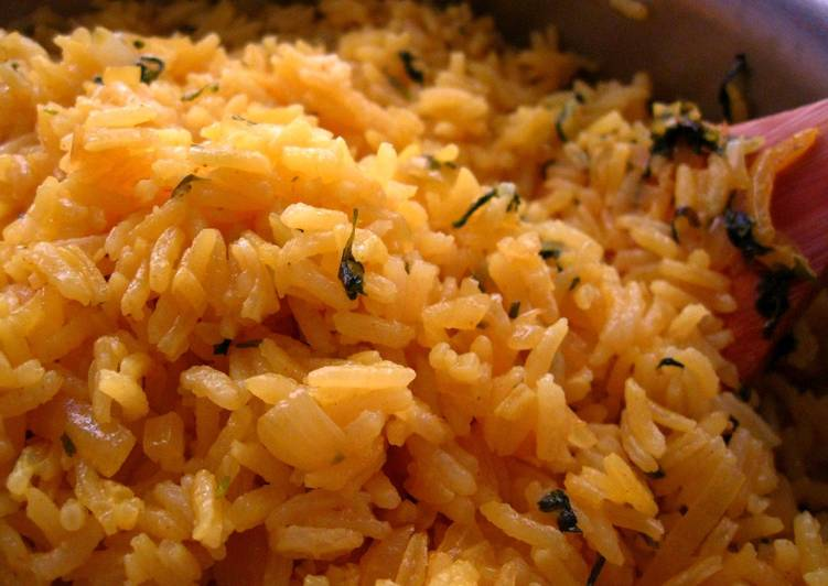 Steps to Make Perfect Cilantro Garlic Yellow Rice