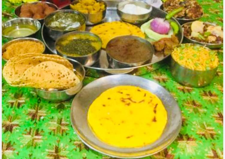 #Punjabi Thali..Sarson Ka Saag, Makki Ki Roti,Punjabi ChanaDal,Kale ChanaCurry Turnip,