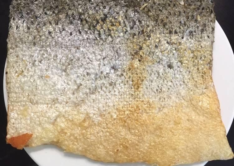 Da cá hồi chiên giòn