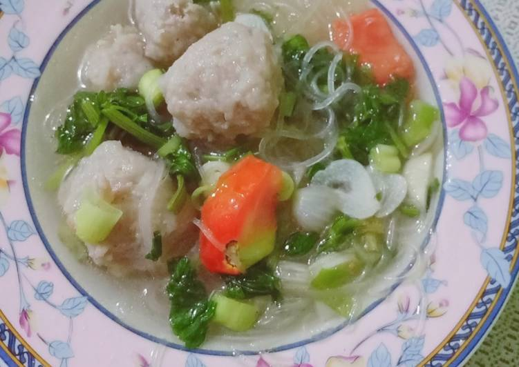 Soup Bihun Bakso Sederhana