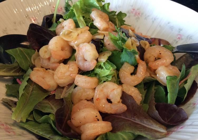 Shrimp in Garlic Sauce Salad (Gambas al Ajillo Salad)